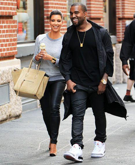 Kanye West ingin segalanya kembali normal, dan musibah yang dialami Kim Kardashian tidak menghantui kehidupan mereka.