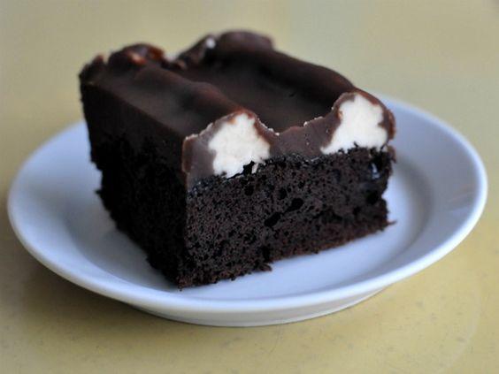 Bumpy cake!(Chocolate Cake with Vanilla Buttercream and Chocolate Fudge)  #cakes-and-cupcakes