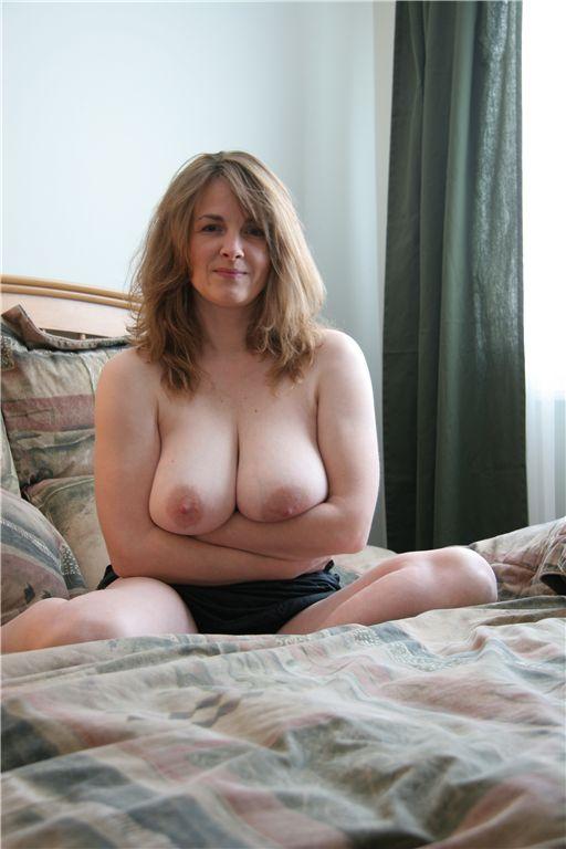 beautiful mature naked woman