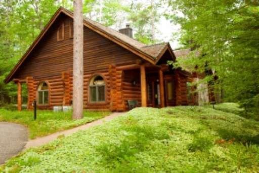 15 frederic mi log cabin condo for sale mls for Log cabin resorts