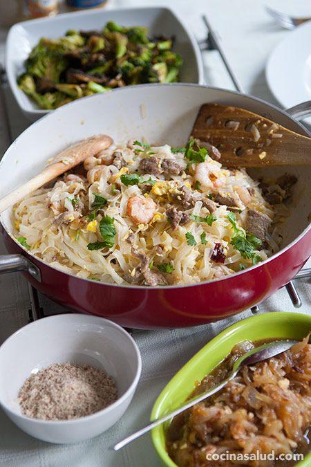 Pad thai, receta Tailandesa de tallarines de arroz fritos, uumm, una delicia. www.cocinasalud.com