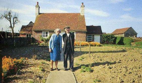 Ein altes Ehepaar hat jedes Jahr ein Foto von sich gemacht. Beim letzten bekam ich Gänsehaut!