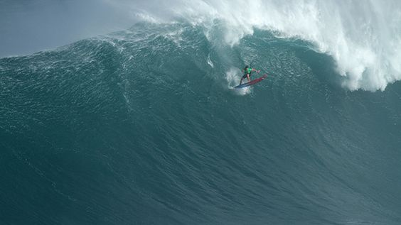 Maui charger takes home massive win at Jaws. Billy Kemper