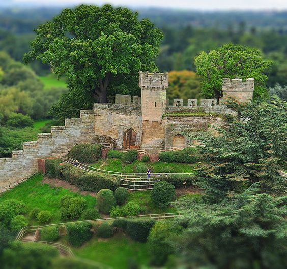 Ethelfleda's mound at the top of Warwick Castle, England