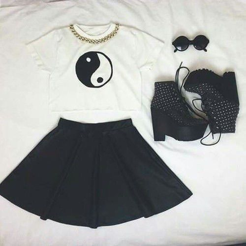 Image via We Heart It https://weheartit.com/entry/158831970/via/29738922 #asian #blackandwhite #girl #grunge #outfit #style #tumblr #yingyang