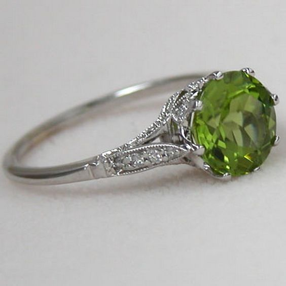Silver-tone Filigree Peridot Ring, but with Emerald, or green sapphire