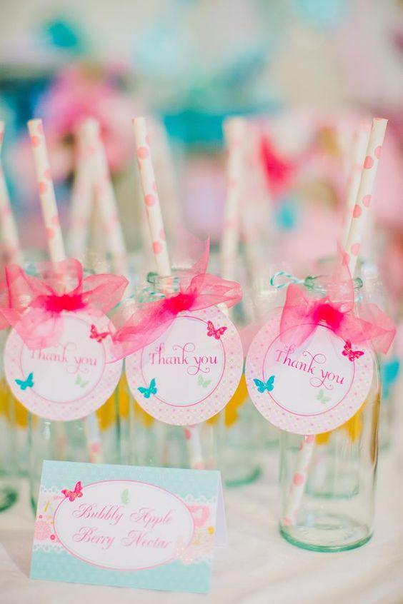 Borboletinhas coloridas trazendo charme pra festa!