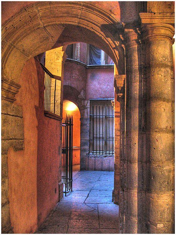 Les traboules du Vieux Lyon - 1 - Lyon, Rhone Alpes