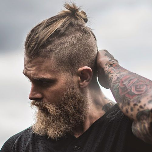 Man Bun Undercut With Beard Frisuren Wikinger Frisuren Herren