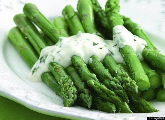 Asparagus with creamy tarragon sauce (with low fat yogurt)