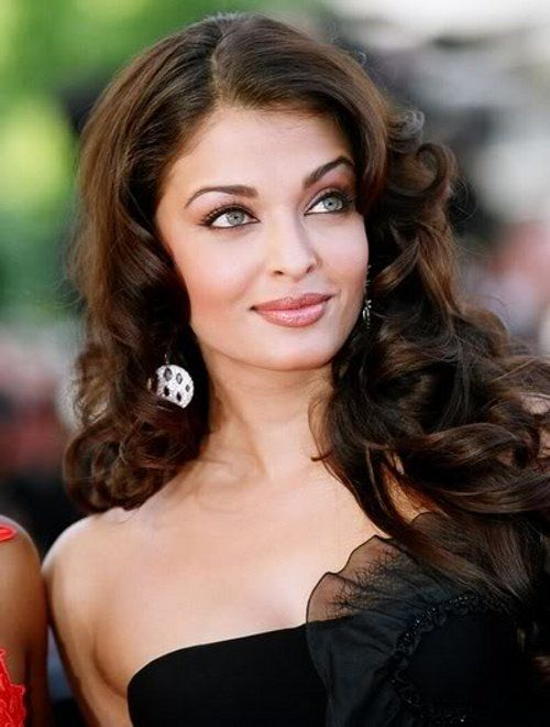 cute curls!! Aishwarya: