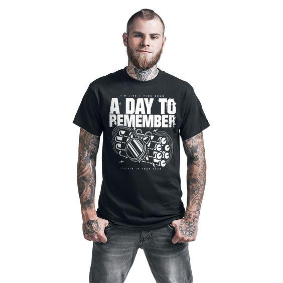 "Classica T-Shirt uomo nera ""Tickin In Your Head"" degli #ADayToRemember."
