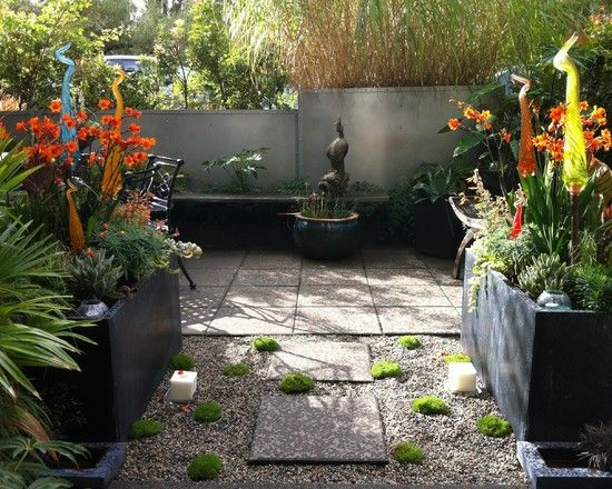 Small patio garden design design pictures remodel decor for Tropical courtyard garden design