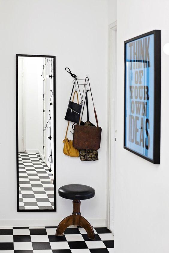 Decorar con espejos. el marco minimalista ayuda a no sobrecargar ...