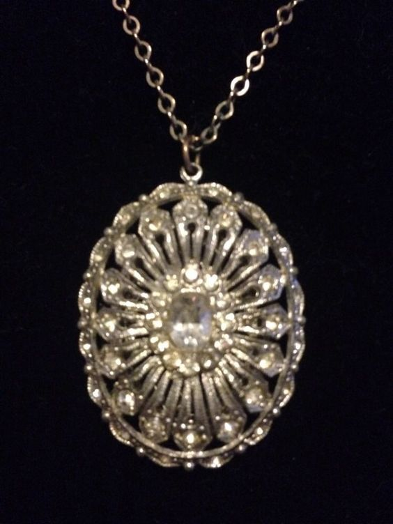 Vintage Marked Made In Czech Rhinestone Filigree Reverse Locket Pendant Necklace