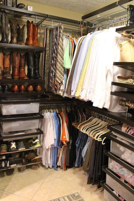 U shaped walk in closet (2 of 2)