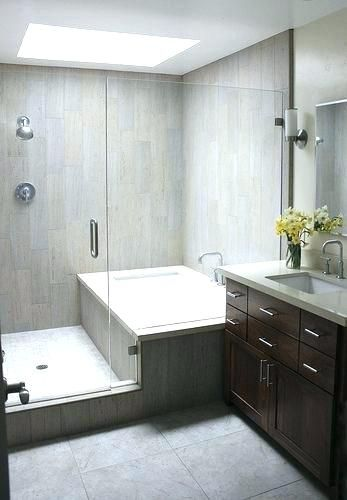 Shower Tub Combo With Shampoo Ledge And Small Side Lip No Shower Door Small Bathroom Bathroom Makeover Shower Tub