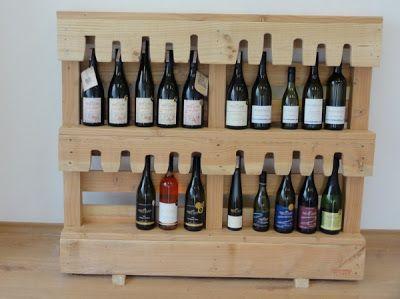 Oficina de experto en vinos amueblada con muebles procedentes de palets