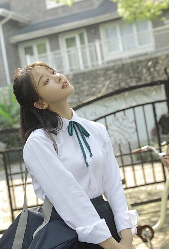 怎麼可以美成這樣子 who is she 瀏海 制服美少女 cute girl pretty girls 漂亮 可愛 青春活力 討論區 拜拜網 taiwan formosa cute beauty girl beauty