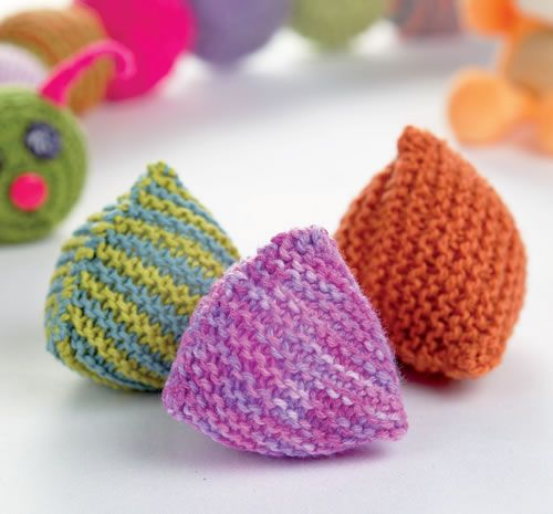 Knitting Patterns For Toy Balls : *free pattern- Jaunty Juggle Balls These Chubby 3D Triangle