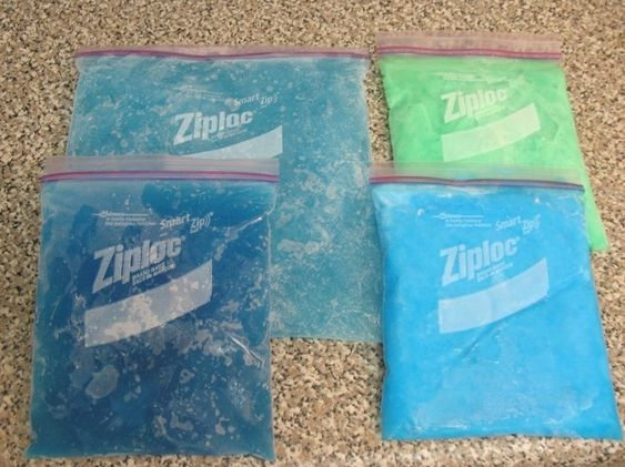 Make your own flexible ice pack at home for less than $2 using common household products.  Yes please...