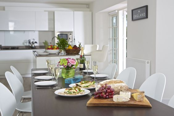 Oversteps House, Salcombe £300 OFF the Easter weeks. Sleeps 16, from £4,020 https://www.coastandcountry.co.uk/cottage-details/overhs