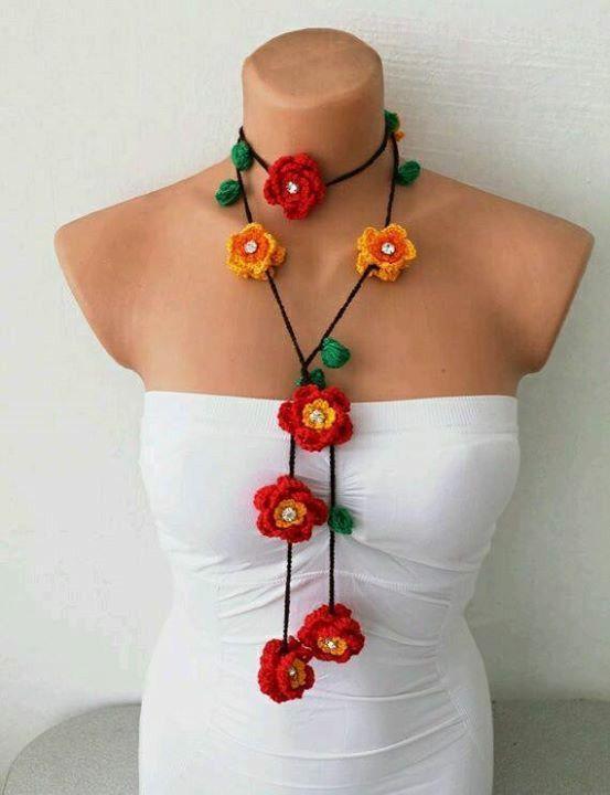 Romantic women/'s cotton crochet flower necklace