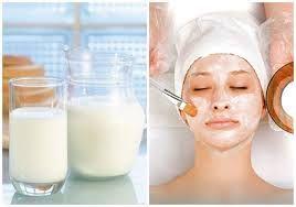 Đắp mặt nạ sữa tươi giúp sẽ lỗ chât lông