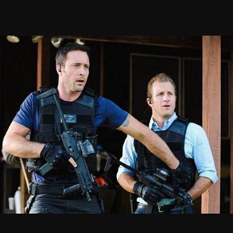 Steve protecting Danno