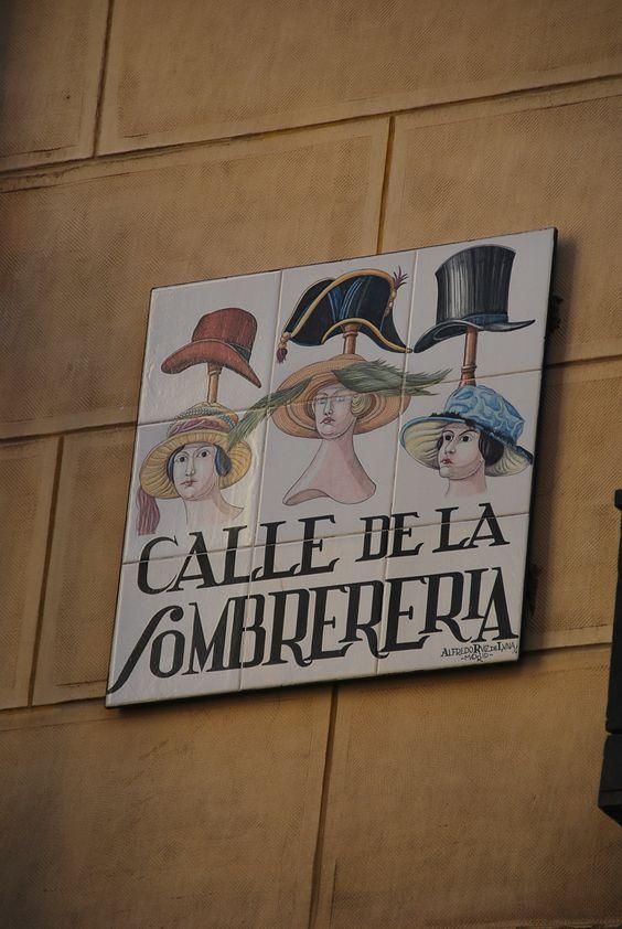 Armario Keter Jardin ~ Cada cartel de cerámica con el nombre de la calle es una