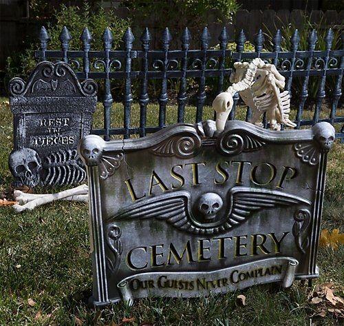 Halloween Yards 2020 Grave Pet Halloween Cemetery Yard Decorations in 2020 | Halloween graveyard
