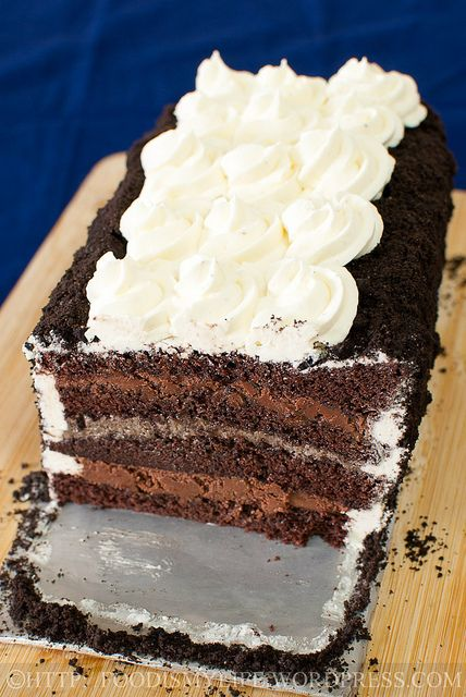 Oreos and Chocolate Mousse Layered Cake