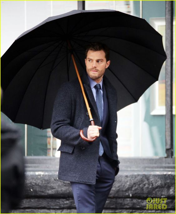 Jamie Dornan & Dakota Johnson Kiss on 'Fifty Shades Darker' Set! (Photos)