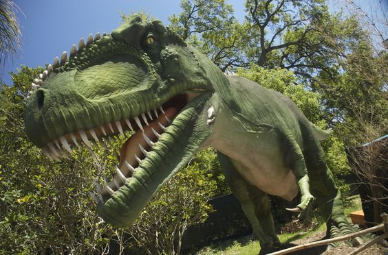 Great kids outing: Dinos Arrive at the Minnesota Zoo