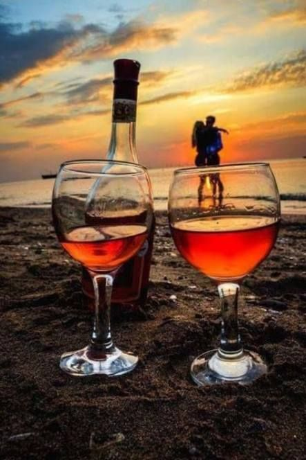 Glasses Wine Photography Engagement Photos 24 Ideas