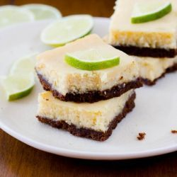 Key Lime Pie   Squares by sallysbakingaddicition: Creamy, refreshing, and only 6 ingredients#Pie_Squares ey_Lime