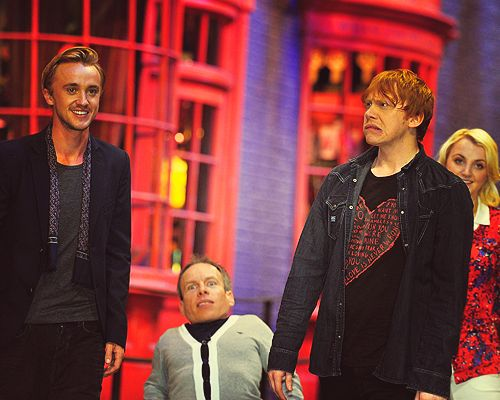 Rupert Grint, Warwick Davis, Tom Felton, Evanna Lynch Photo call at the worldwide Grand Opening cast and crew junket for the opening of Warner Bros. Studio Tour London on March, 29.