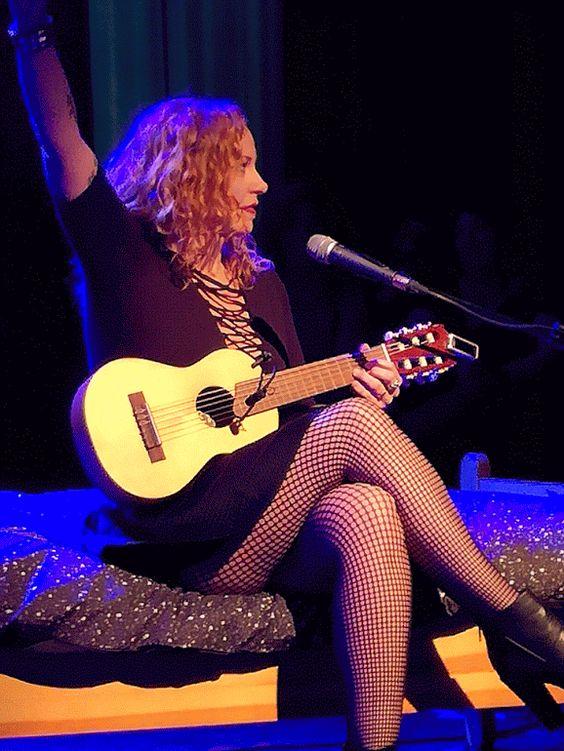 Anneke - De nieuwe Madonna Tour Walhalla,Rotterdam 9 Oct ... | 564 x 751 jpeg 79kB