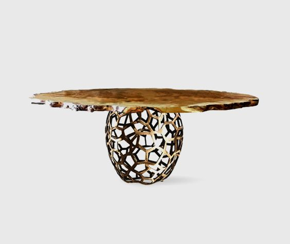 NEW   Dining Table APIS by BRABBU
