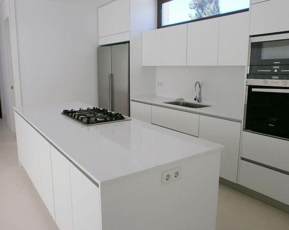 Cocinas con islas modernas blancas cocinas con for Cocinas integrales blancas