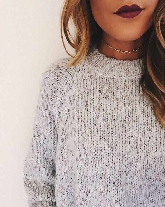 Dainty gold choker necklace: