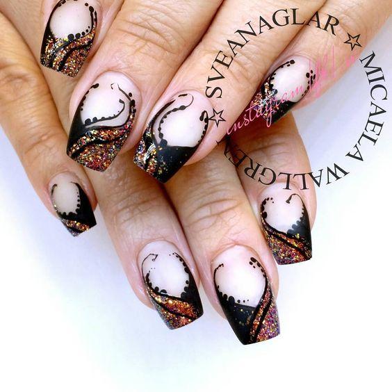 Matte Black and Shiny Glitters. . . #sveanaglar#lillynails#nails#nailart#naglar#gelnails#gelenaglar#gelpolish#gelelack#acrylicnails#akrylnaglar#instanails#nailstagram#nailtech#nailswag#nailprodigy#nailsmagazine#nailit#nailpromote#nails2inspire#nailporn#nailaddict#nagelförlängning#glitter#nailwow#nailinspo
