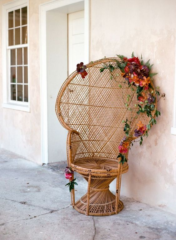 This floral peacock chair will haunt my dreams. I WANT IT!! <3: