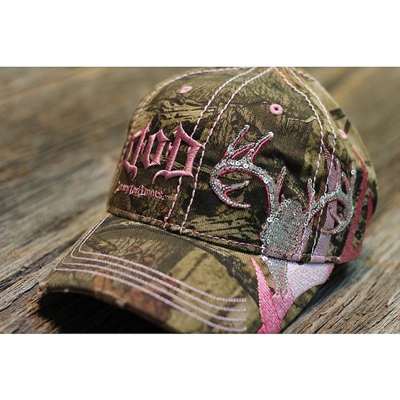 mossy oak bling hat just like my realtree one but a