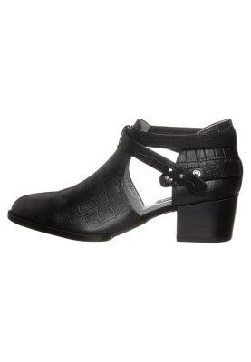 Embossed Senso's  shoes on sales !