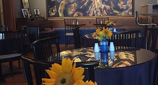 The Pandorica is a Doctor Who themed restaurant in Beacon, NY. We serve lunch, dinner, wine & beer, plus an extensive tea list. Tardis bathroom & Tardis mural