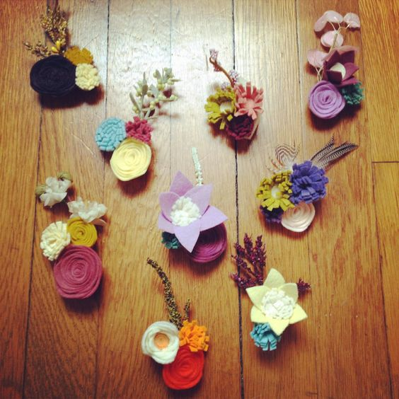 Spring-inspired felt flower brooches. Add a pop of color to any look with a cute felt accessory.