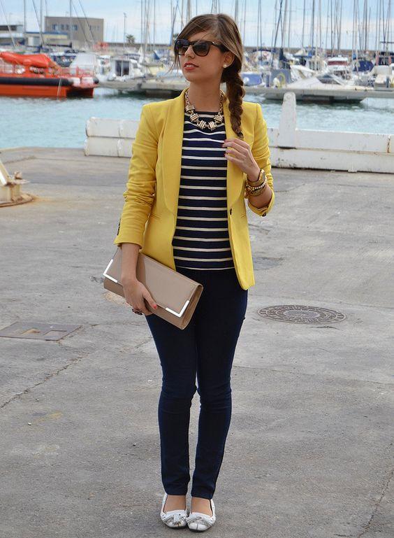 Blazer amarillo blusa a rayas azul y Jean. | blusas combinaciones | Pinterest | Jeans Informal ...