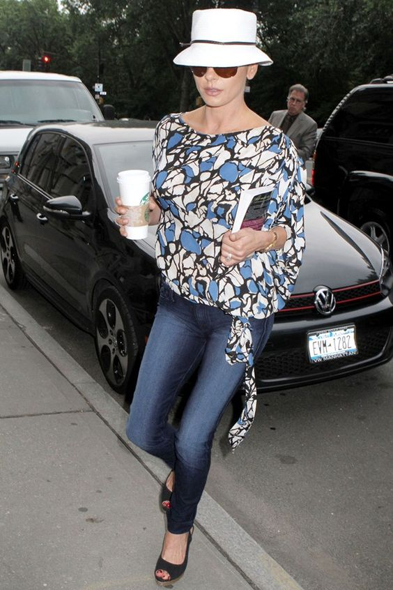 love the print, the hat, skinny jeans and heels. Would also be great with boots.