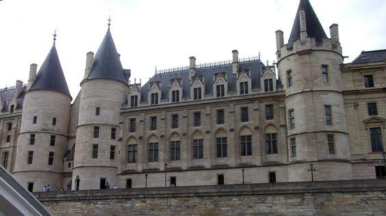 Le #PalaisdeJustice #Paris June 2014 www.pinterest.com/annbri/